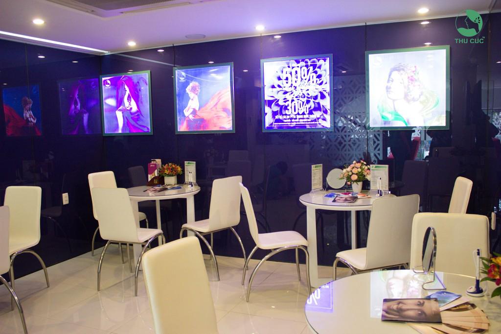 Không gian để khách hàng thư giãn trong quá trình tư vấn làm đẹp tại Thu Cúc Sài Gòn