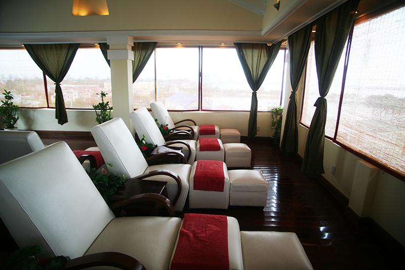 Là địa chỉ uy tín trong lĩnh vực chăm sóc sắc đẹp tại Hà Nội, Thu Cúc Spa sẽ giúp bạn xóa tan nỗi lo về da mụn.