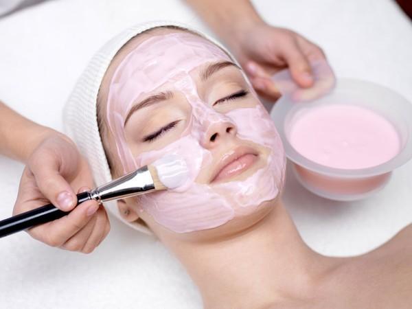Nên đắp mặt nạ 2 lần/tuần để bổ sung các dưỡng chất tự nhiên cho da sáng mịn