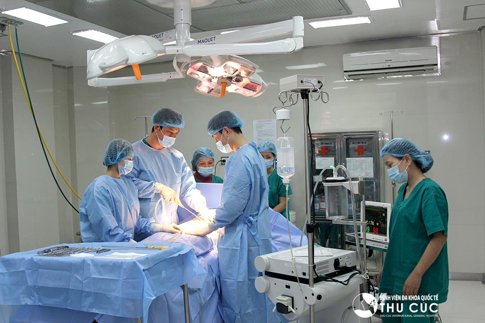 Hút mỡ bằng Vaser Lipo được thực hiện theo quy trình bài bản, do các bác sĩ chuyên khoa giàu kinh nghiệm trực tiếp thực hiện