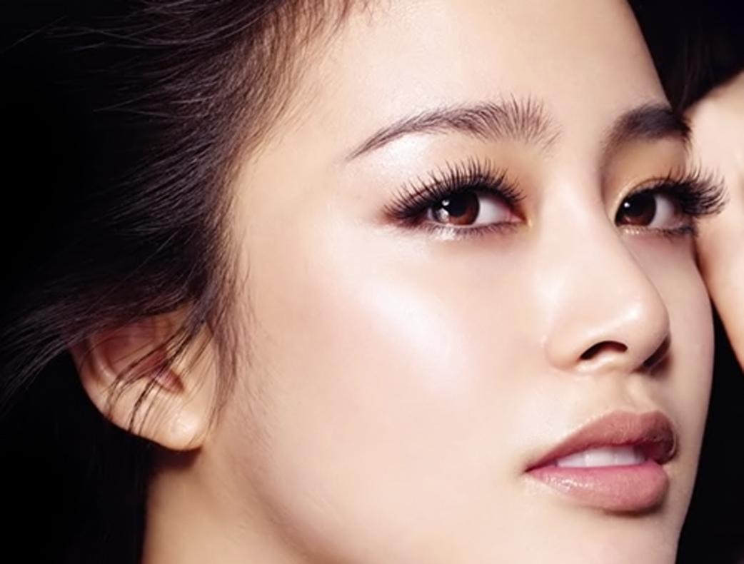 Bấm mí mắt mang đến cho bạn đôi mắt hai mí đẹp hoàn hảo