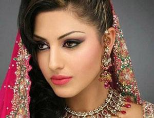 Phụ nữ Ấn Độ làm đẹp