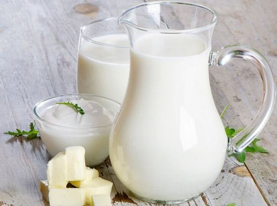 Những tác dụng tuyệt vời khi rửa mặt bằng sữa tươi