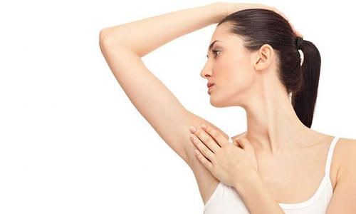 Vùng nách không còn mùi hôi khó chịu sau cắt tuyến mồ hôi tại Bệnh viện Thu Cúc