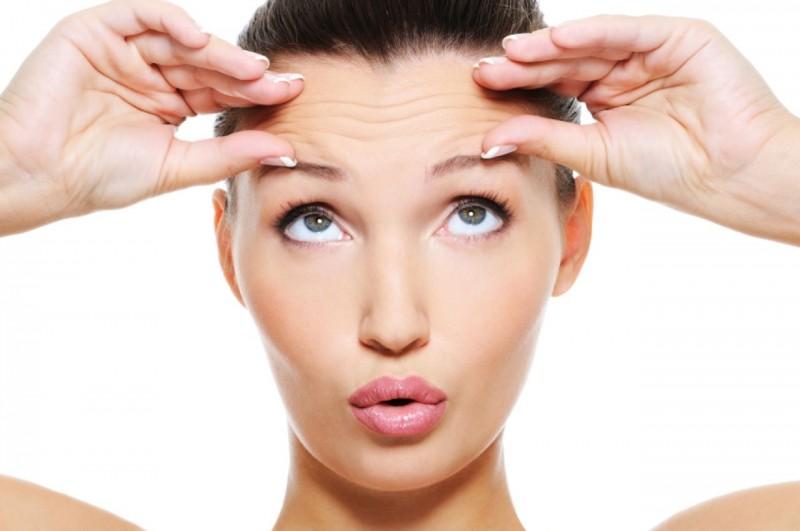 Nếp nhăn là một trong những biểu hiện của làn da lão hóa