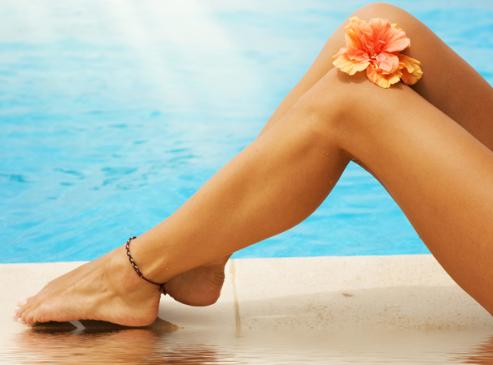 Cách tẩy lông chân an toàn hiệu quả