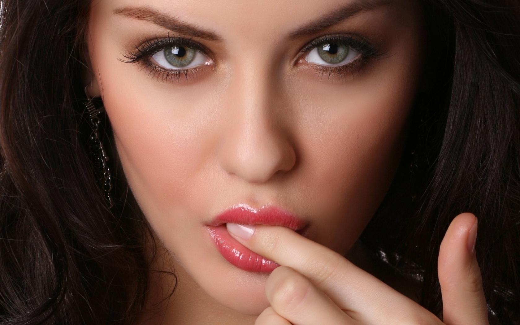 Xăm môi màu nào đẹp