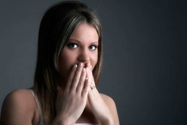 """Nhiều chị em rơi vào những tình huống dở khóc dở cười chỉ vì """"vi ô lông"""" ở vùng da dưới cánh tay"""