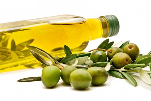 Cách trị thâm mụn nhanh bằng dầu oliu