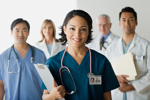 Bác sĩ thẩm mỹ là một trong những yếu tố quan trọng quyết định đến kết quả thẩm mỹ của khách hàng