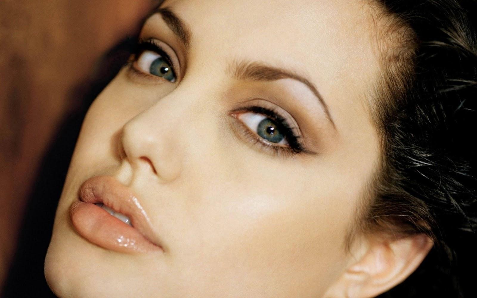Nâng mũi có ảnh hưởng đến mắt?