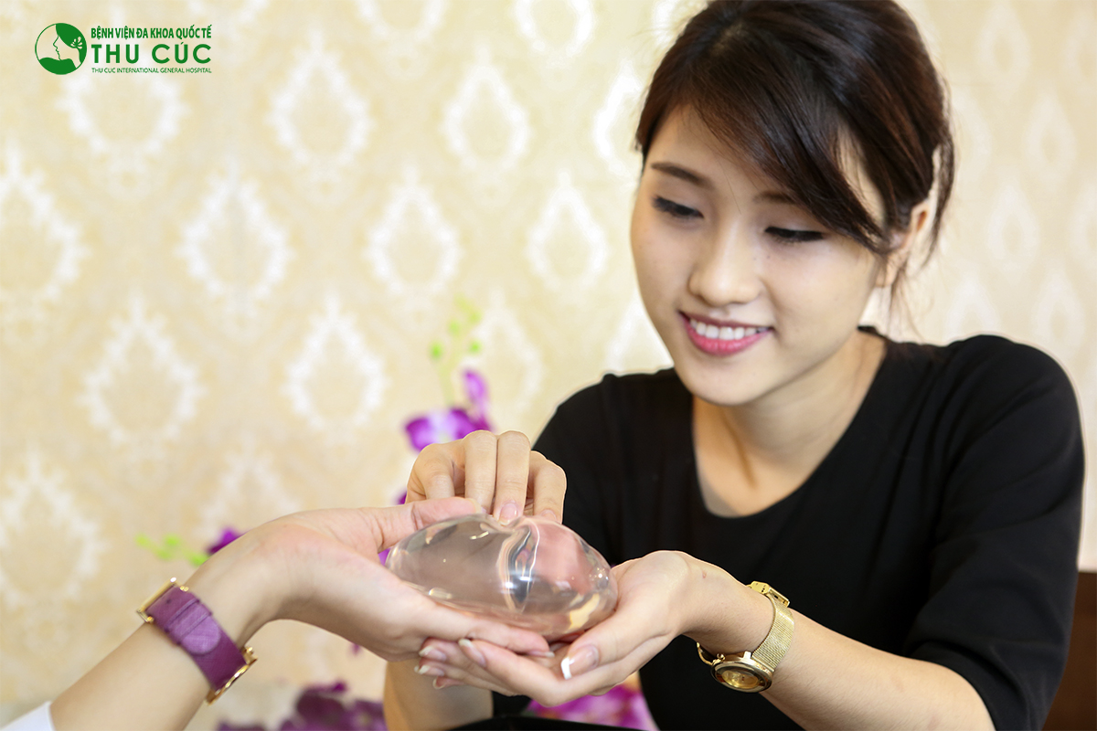 Chất liệu túi độn được Thu Cúc Sài Gòn sử dụng đều là hàng cao cấp nhập khẩu trực tiếp từ các thương hiệu nổi tiếng