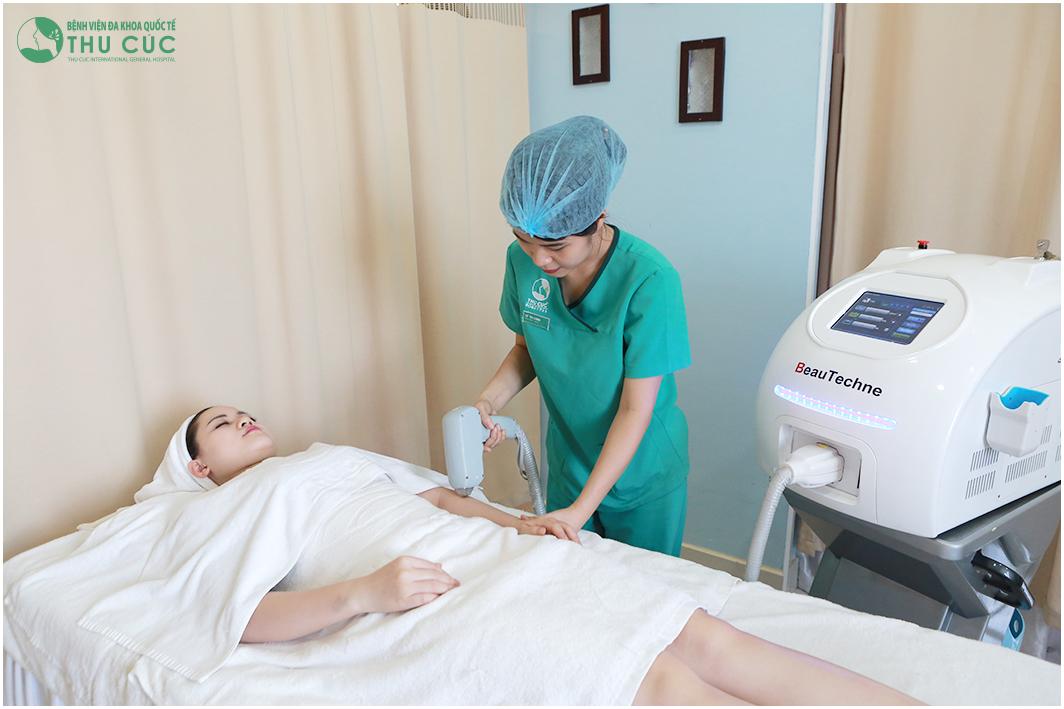 Laser Diode loại bỏ sợi lông nhẹ nhàng, triệt để mà không gây đau rát, đồng thời nuôi dưỡng làn da trắng sáng