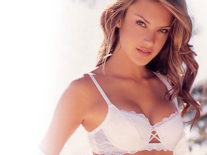 Nầng ngực bằng mỡ tự thân cho khuôn ngực mềm mại, tự nhiên như thật