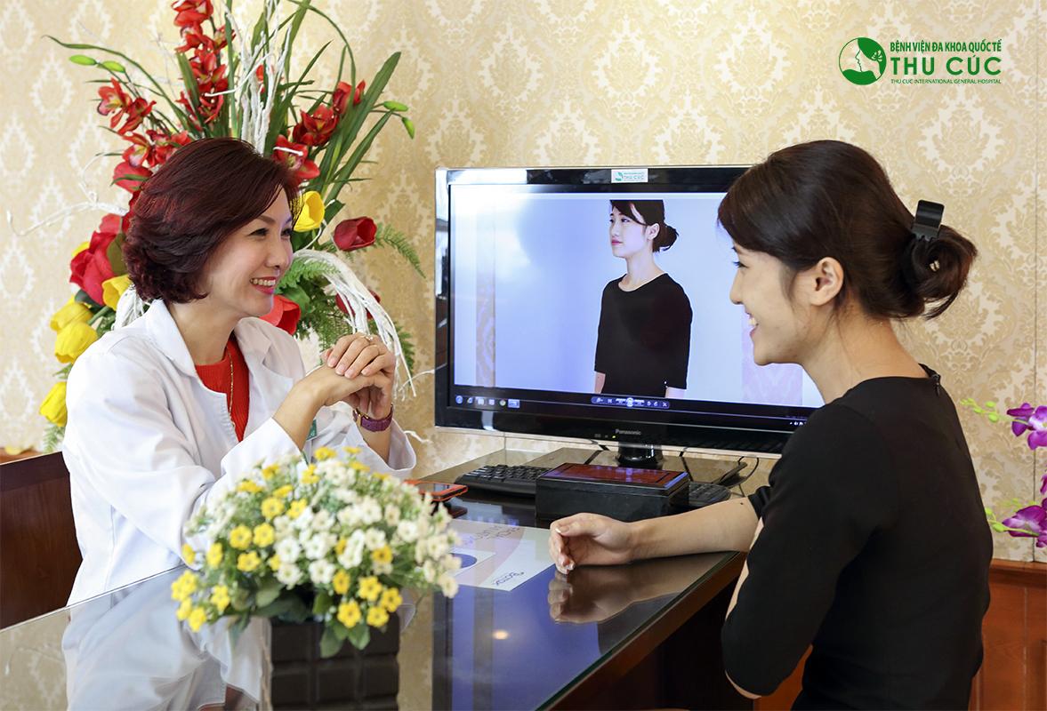Sau phẫu thuật, bác sĩ sẽ hướng dẫn khách hàng cách chăm sóc tại nhà
