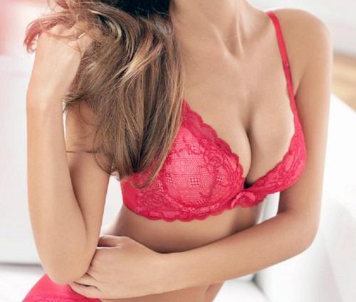 Nhiều chị em lo sợ nâng ngực làm mất cảm giác