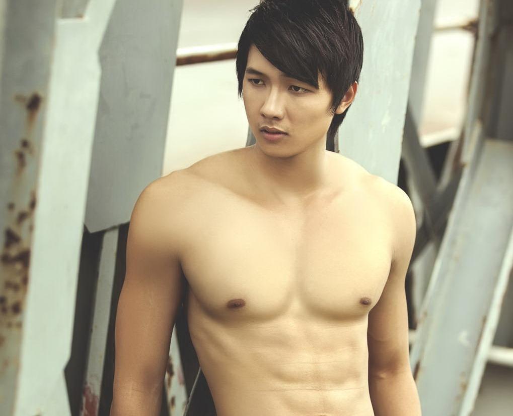 Tiêu chuẩn vòng ngực của nam giới chính là vẻ săn chắc, vạm vỡ, nở nang