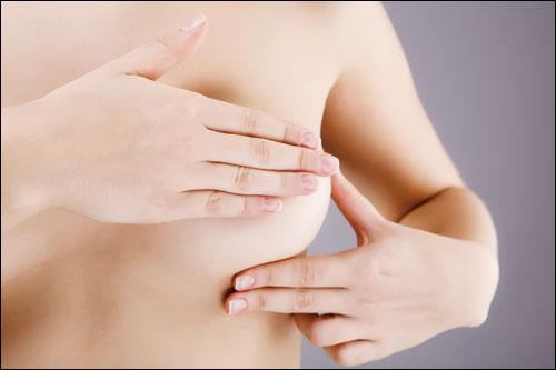 Nâng ngực và biến chứng