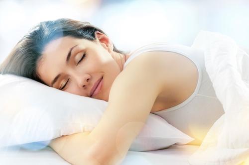 Các nhà khoa học đã chứng minh nếu bạn thường xuyên mất ngủ, bạn dễ bị tăng cân hơn