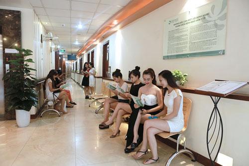 Với thương hiệu thẩm mỹ gần 20 năm kinh nghiệm, Thu Cúc Sài Gòn luôn được đánh giá là địa chỉ độn cằm không phẫu thuật an toàn và uy tín nhất tp.HCM