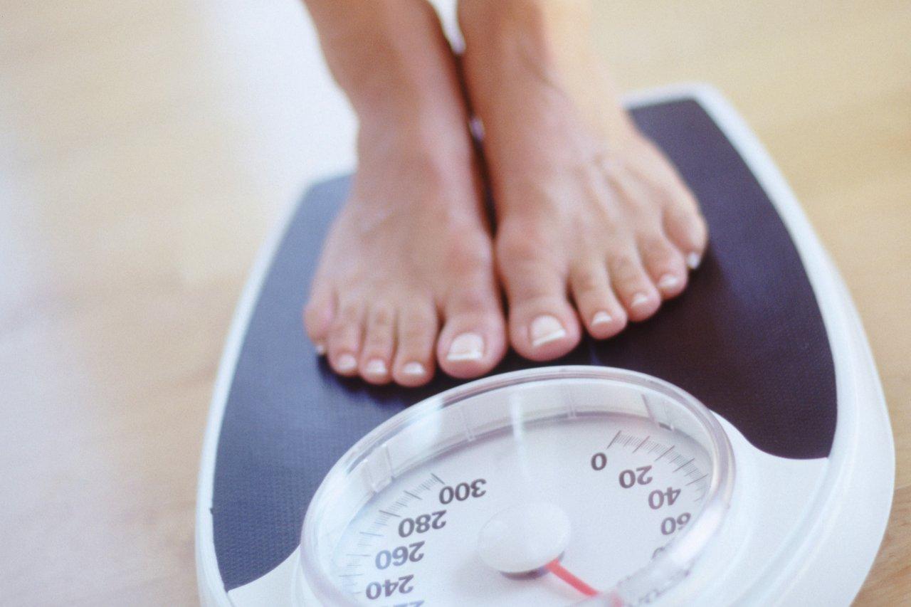 Phần lớn phụ nữ sau sinh đều phải đối mặt với nỗi lo tăng cân