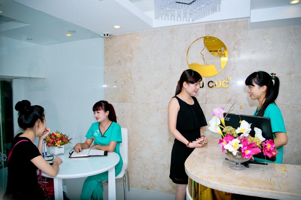 """Hiện tại, Thu Cúc đang triển khai chương trình quà tặng """"tuần lễ vàng"""", tặng bạn 40% chi phí nâng mũi."""