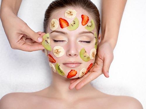 Chẳng cần sử dụng tới các loại mỹ phẩm đắt tiền, chị em hoàn toàn có thể trẻ hóa làn da của mình nhờ các mặt nạ thiên nhiên cực dễ thực hiện
