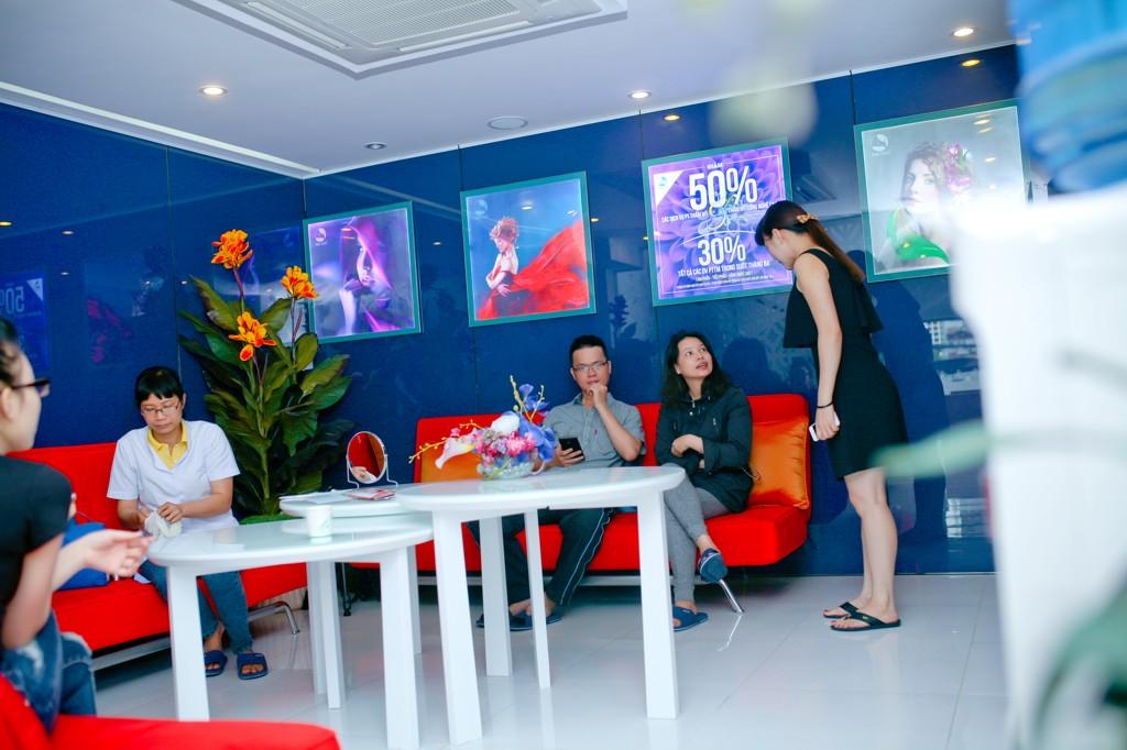 Quy trình tạo môi trái tim tại Thu Cúc Sài Gòn