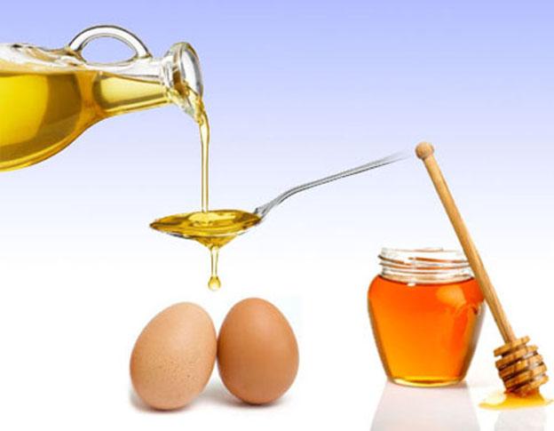 Hỗn hợp mật ong, trứng gà, sữa đặc có thể giúp tăng kích thước vòng 1