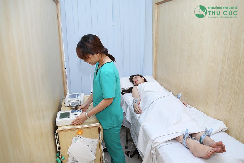 Việc kiểm tra sức khỏe giúp loại trừ các trường hợp chống chỉ định như vấn đề về tim mạch, huyết áp,...