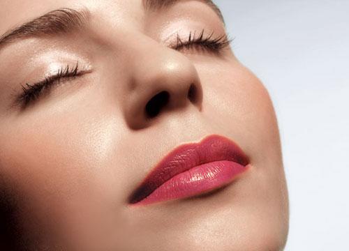 Tạo môi trái tim có để lại sẹo không?