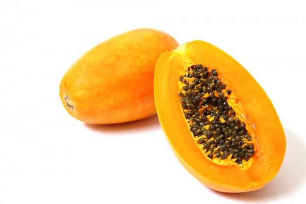 Lượng vitamin A, C, E dồi dào có trong đu đủ chính là thần dược cho làn da tươi trẻ