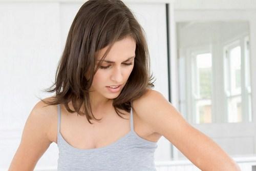 Mùi hôi vùng dưới cánh tay khiến phái nữ ưu phiền