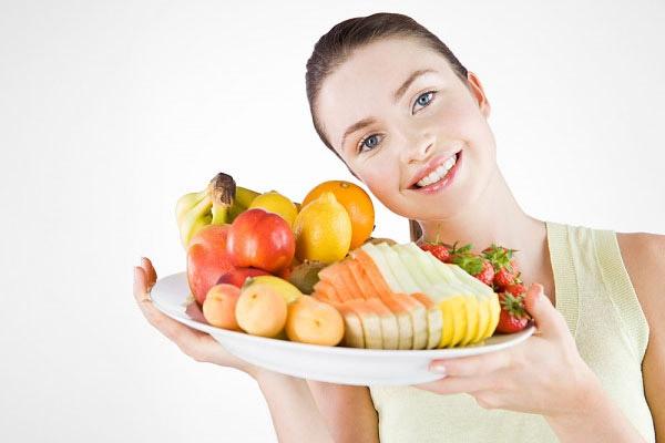 Thay đổi chế độ ăn, bổ sung các loại hoa quả có lợi cho vòng một như bơ, cam, bưởi, nho, đu đủ