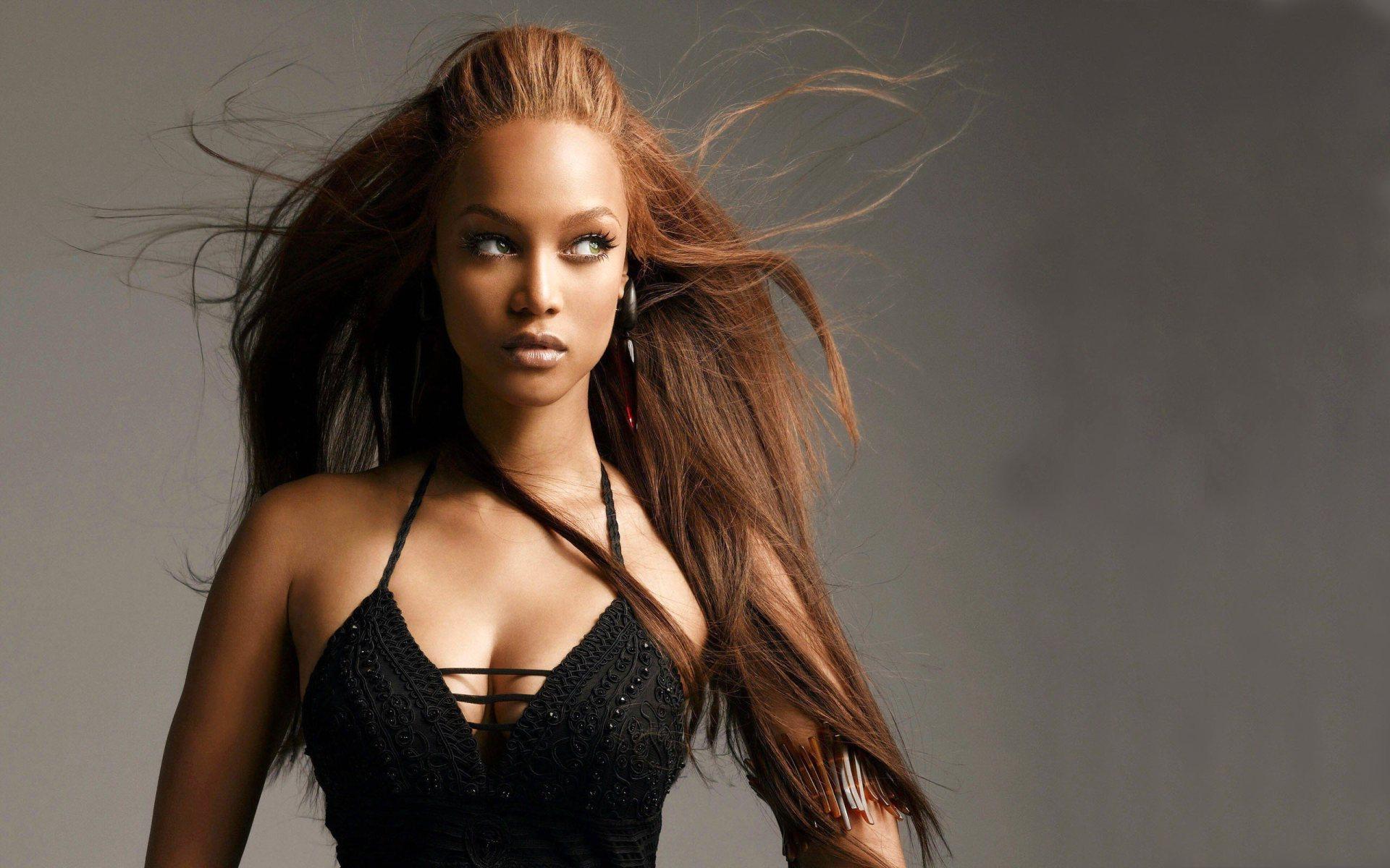 """Tyra Banks là lớp """"thiên thần nội y"""" thế hệ đầu tiên của thế giới"""