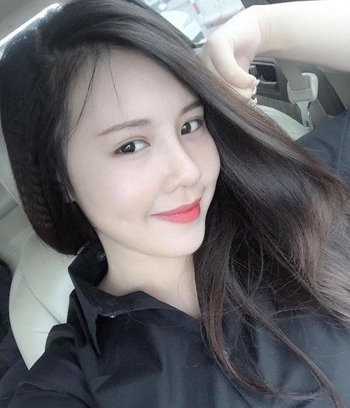 co-chu-hang-nail-so-huu-khuon-mat-xinh-xan-nhin-la-yeu3