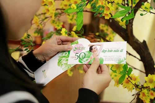 Các khách hàng đến với Thu Cúc dịp cuối năm này sẽ có cơ hội nhận lì xì may mắn tặng đến 50% chi phí nhiều dịch vụ, trong đó có bấm mí Hàn Quốc.