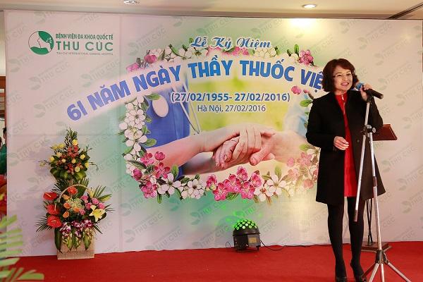 Bà Nguyễn Thu Cúc nhiệt liệt chúc mừng và biểu dương những nỗ lực những cống hiến của y bác sĩ bệnh viện