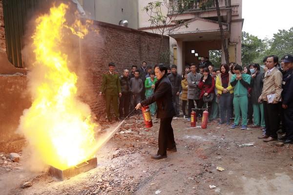 Bệnh viện Thu Cúc tổ chức diễn tập phòng cháy chữa cháy