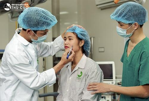 Quy trình phẫu thuật an toàn được thực hiện nhanh chóng, không đau rát