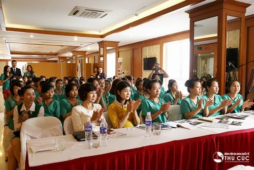 Bệnh viện Thu Cúc tổ chức lễ trao chứng chỉ tốt nghiệp cho học viên phun xăm thẩm mỹ