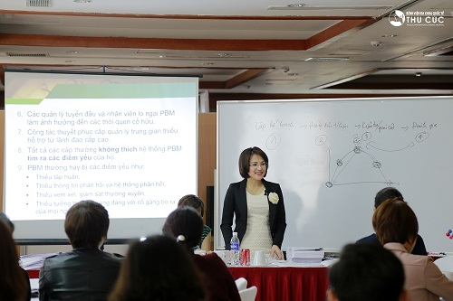 Chủ tịch HĐQT Nguyễn Thu Cúc trực tiếp đào tạo cho nội bộ tập đoàn.