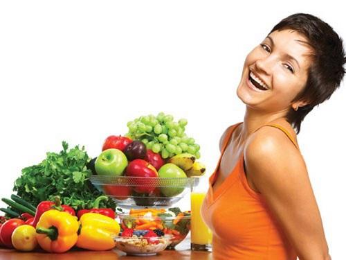 Bổ sung nhiều rau xanh, hoa quả tươi mỗi ngày