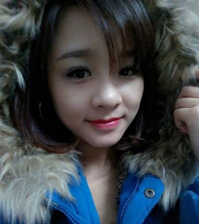 Với khuyết điểm mắt một mí, sau bấm mí, nếp mí của cô bạn Nguyễn Thủy đã trở nên rõ ràng, tạo cho đôi mắt vẻ to tròn, đẹp tự nhiên.