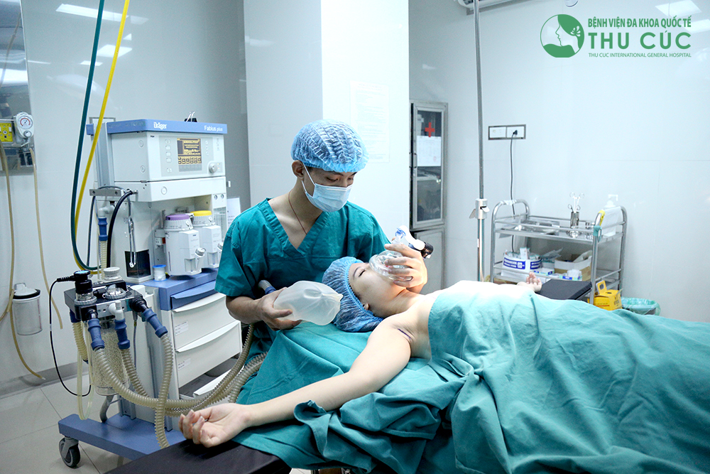 Phái đẹp nên biết: Phẫu thuật thẩm mỹ phải được thực hiện tại bệnh viện