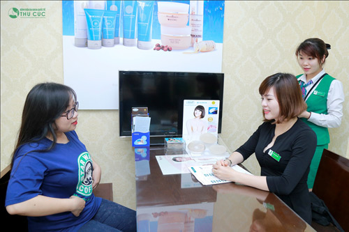 Dương được chuyên gia tư vấn về phương pháp giảm béo hiện đại bằng Vaser Lipo