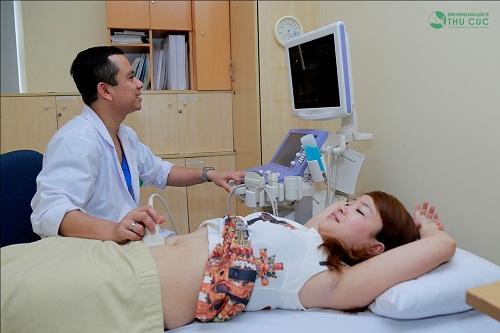 Siêu âm vùng bụng kiểm tra sức khỏe nghiêm ngặt là bước không thể thiếu trước khi hút mỡ tại Thu Cúc