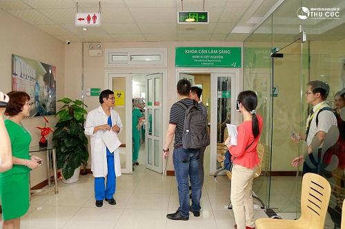 Các chuyên gia quốc tế tham quan và giao lưu với cán bộ, bác sĩ Bệnh viện Thu Cúc
