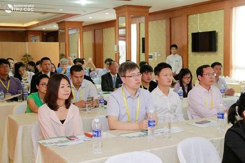 bv-thu-cuc-tiep-don-doan-dai-bieu-tham-du-trien-lam-vietnam-medi-pharm-2016-6