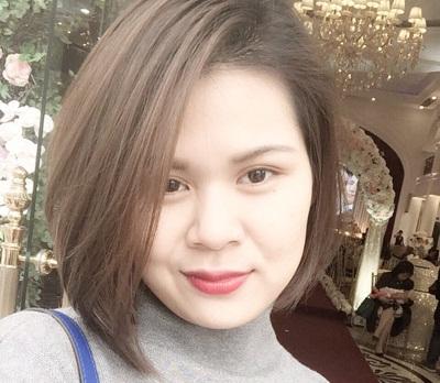 """Mẹ trẻ 8x Nguyễn Ngân """"đẹp không tuổi"""" sau khi cắt mí"""